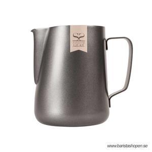 Espresso Gear - Pitcher Black - Non Stick Pitcher för att skumma mjölk till cappuccino och latte - 600ml