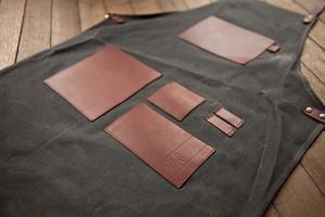 Espresso Gear - Gastronomi Apron Black  - förkläde i hög kvalitet - vaxad svart canvas och läder