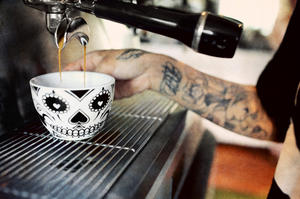 Salong Betong och Johan & Nyström - Carnivales Espressokopp med fat